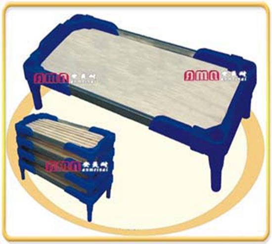 ZZRS-14304  塑料扶手木床 133 60 35cm